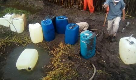 Controlan fuga de hidrocarburo provocada por toma clandestina en Tlaxcoapan2
