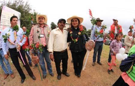 Dará atención Emilse Miranda a pueblos indígenas1.jpg