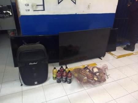 Detienen policías de Pachuca a sujeto involucrado con el robo a un bar