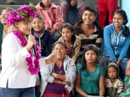 Educación, la clave para salir adelante, Sayonara Vargas