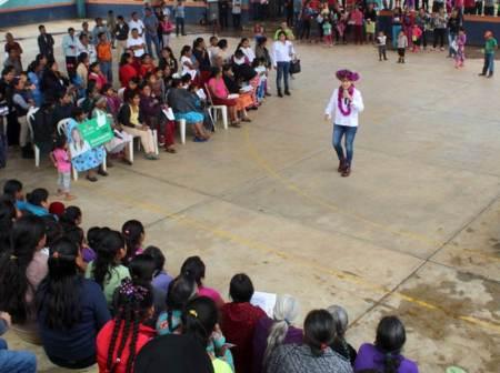 Educación, la clave para salir adelante, Sayonara Vargas2