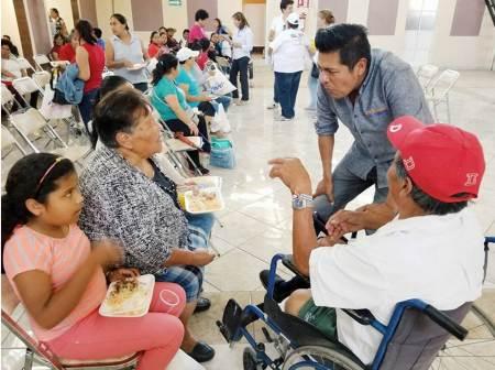 Efraín Pedraza Cruz promete legislar a favor de las mujeres para que tengan mayor oportunidades.jpg