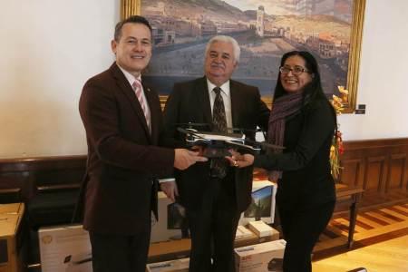 Entrega UAEH equipamiento para fortalecer el área de cultura