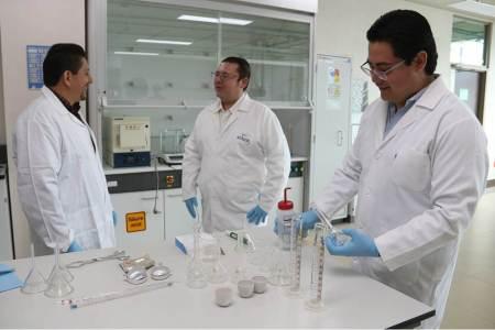 Estudia alumno de UAEH cristales alargados de sulfuro de cadmio