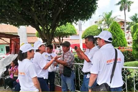 Fátima Crespo propone proyectos productivos para los jóvenes