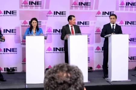 Firme, seguro y transparente, avanza a la victoria Alex González