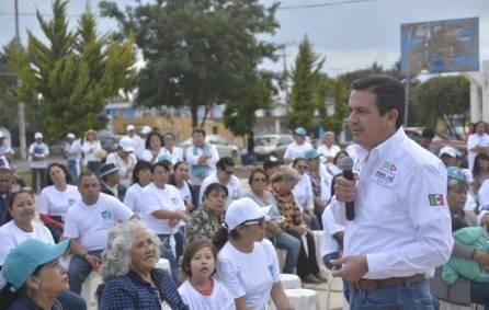Francisco Sinuhé plantea acabar con la pobreza del séptimo distrito4