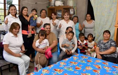 Habitantes de Tepeji del Río abren las puertas de sus hogares y respaldan a la candidata priista Areli Narváez.jpg