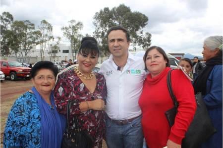 Impulsaré el crecimiento de las mujeres, desde el senado, Alex González