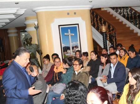 Julio Menchaca Salazar compromete más apoyo para la juventud hidalguense2.jpg