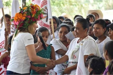Se compromete Sayonara Vargas a impulsar la educación y mejorar los servicios de salud2