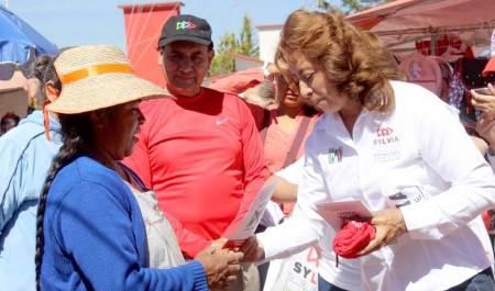 Sylvia López propone impulsar y ampliar el comercio local
