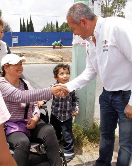 Transporte para adultos mayores y discapacitados, propone Sergio Baños2