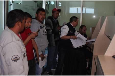 Brindan atención laboral a hidalguenses repatriados