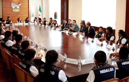 El gobernador Omar Fayad se reunió con los mejores promedios de nivel primaria en la entidad7