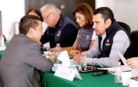 Israel Félix entrega más apoyos para educación y salud1