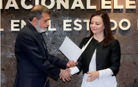 Nuvia Mayorga recibió del INE constancia como Senadora de la República Electa2.jpg
