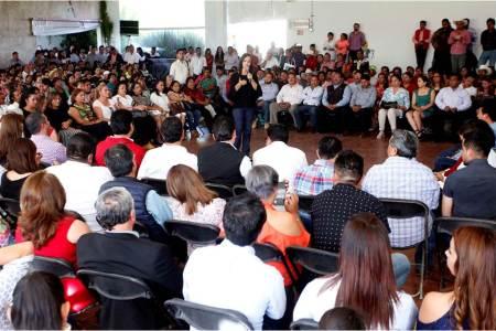Nuvia Mayorga se reúne con bases priistas en Tulancingo, Tepeapulco y Tula