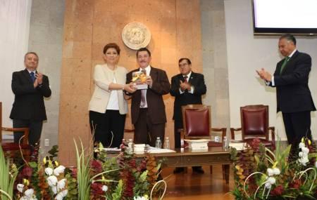 """Presentan en el TSJH el libro """"Procedimientos Especiales y Recursos en el Sistema Penal Nacional Acusatorio""""1"""