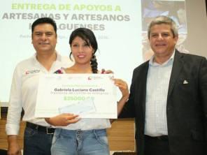 Sedeso entregó más de un millón de pesos para artesanos hidalguenses1