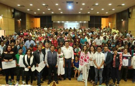 Sedeso entregó más de un millón de pesos para artesanos hidalguenses4
