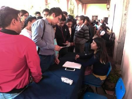 Acercan oportunidades de empleo a alumnos de UAEH1