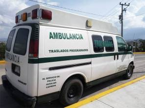 Aseguran ambulancia cargada con hidrocarburo en Tlanalapa