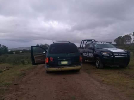 Aseguran en un camino de terracería de Pachuca una camioneta cargada con gasolina