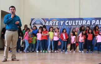 Concluyen con éxito más de 300 niños y jóvenes en curso 3