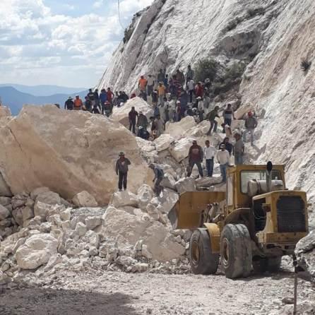 Confirman autoridades todo el apoyo para familiares y víctimas de derrumbe en una mina ubicada en Francisco I. Madero5