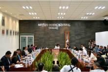 Durante la última sesión de Agosto se despiden 3 Consejeros Electorales en el IEEH4