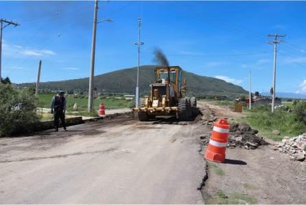 Gobierno del Estado reconstruye carpeta asfáltica en la región del Altiplano
