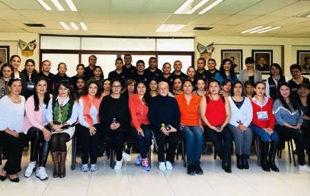 Grupo policial PPAViG imparte capacitación en defensa personal para trabajadoras de Gobierno2