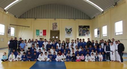 Medallistas centroamericanos conviven con deportistas de Escuelas de Iniciación 4