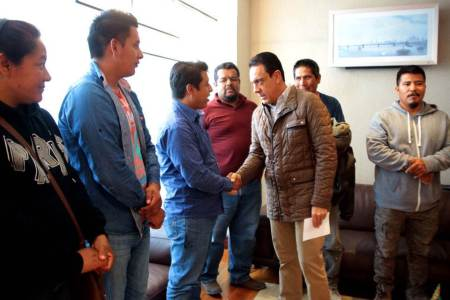 Omar Fayad se reúne con familiares de víctimas del derrumbe de la mina de Denganzha, reitera su solidaridad y apoyo2