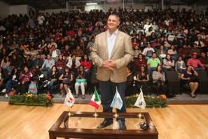 Presenta Adam Johnson obra ganadora del Pulitzer en FUL 2018
