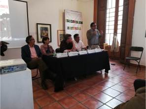Presentan en Pachuca el libro Los gobernadores4