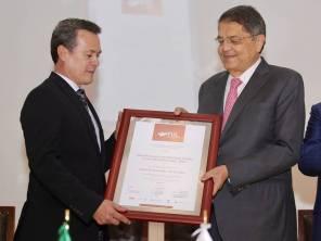 Recibe escritor Sergio Ramírez Premio Juan Crisóstomo Doria a las Humanidades 20181