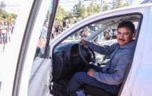 Recibe vecino de Paseos de Chavarría automóvil del sorteo Contribuyente Mineralreformense Cumplido 5