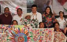Sedeso premió a personas artesanas de concurso de bordados en Tenango de Doria6
