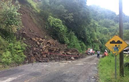 SOPOT realiza trabajos por derrumbe en la región de Molango2.jpg