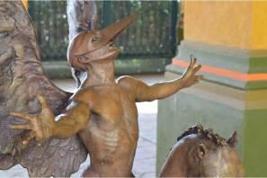 Universidad Tecnológica de Mineral de la Reforma es sede de exposición escultórica Pago en Especie de la SHCP