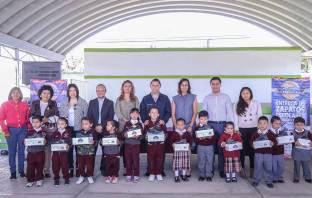 Acciones por tu escuela beneficia a cerca de 4 mil alumnos con la entrega de zapatos escolares en Mineral de la Reforma6