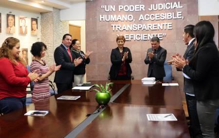 Entrega magistrada Blanca Sánchez censo de impartición de justicia2