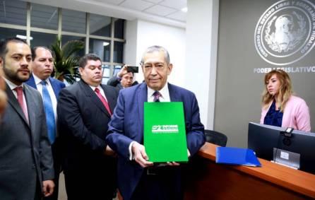 Entrega Secretario de Gobierno, Segundo Informe de Actividades del gobernador Omar Fayad Meneses 4