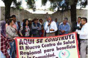 Gabriel García Rojas da banderazo de inicio a la construcción del nuevo centro de salud en Huitzila