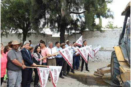Gabriel García Rojas da banderazo de inicio a la construcción del nuevo centro de salud en Huitzila3