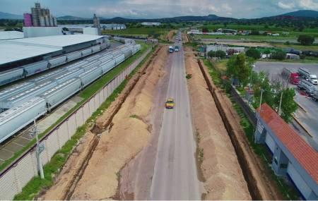 Gobierno del Estado construye Libramiento Industrial Huitzila 2.jpg
