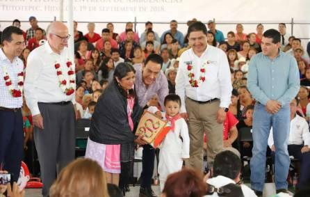Hidalgo inauguró el primer CEREDI indígena del país4