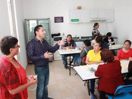 Impulsa gobierno municipal formación de un Grupo Representativo de Artesanos de Mineral de la Reforma2